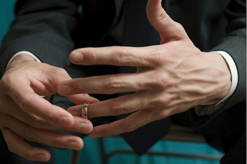 Khám Phá Các Cách Theo Dõi Chồng Ngoại Tình Hiệu Quả